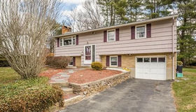 28 Grantview Ter, Brockton, MA 02301