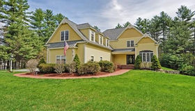 8 River Bend Rd, Upton, MA 01568