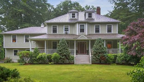 51 Village Woods Rd, Haverhill, MA 01832