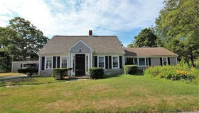41 Chestnut St, Barnstable, MA 02601