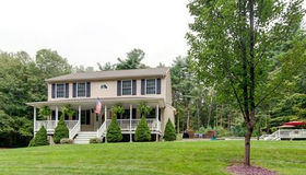 6 Vinton Road, Sturbridge, MA 01566