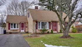 51 Shady Lane Ave, Shrewsbury, MA 01545