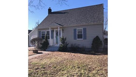 27 Sterling Street, Shrewsbury, MA 01545