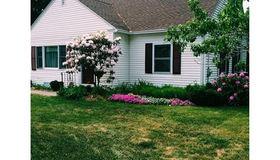 9 Plant Ave, Hudson, MA 01749