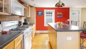 3 Bow St, Salem, MA 01970