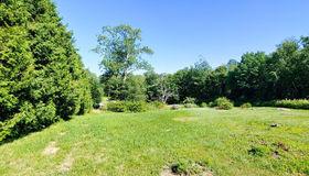 179 Pierce Rd, New Braintree, MA 01531