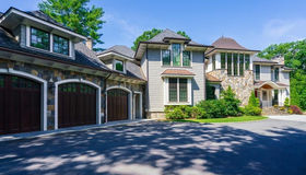 186 Meadowbrook Rd., Weston, MA 02493