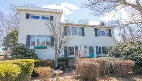 43 Manomet Beach Blvd, Plymouth, MA 02360