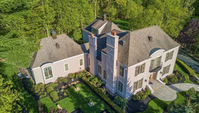 61 Country Club Circle, North Andover, MA 01845