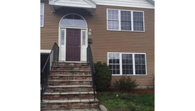 21 Hyannis Place, Worcester, MA 01604