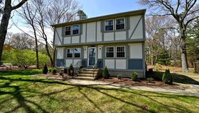 10 Ashberry St, Plymouth, MA 02360