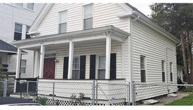 29 Douglas St, Worcester, MA 01603