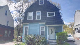 14 Clive St, Worcester, MA 01603