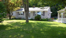 68 Lakeshore Dr, West Brookfield, MA 01585