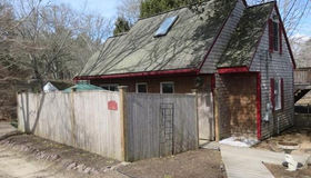 11 Swamp Rd, Plymouth, MA 02360