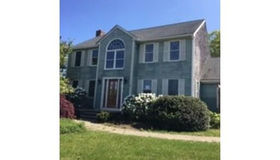 12 Pine Mountain Dr, Plymouth, MA 02360