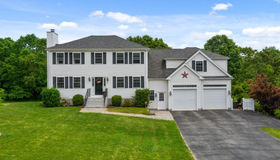 6 Morris Hope Ln, Berkley, MA 02779