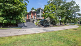 1201 Commonwealth Ave, Newton, MA 02465