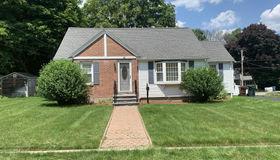 55 Chestnut Ave, Auburn, MA 01501
