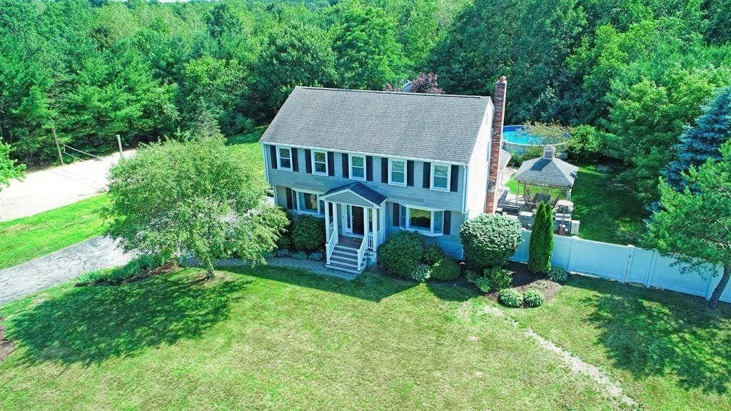 9 Angela Dr, Foxboro, MA 02035 now has a new price of $649,000!