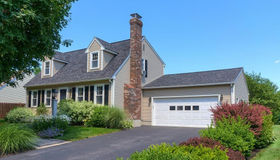 37 Theodore Dr, Leominster, MA 01453