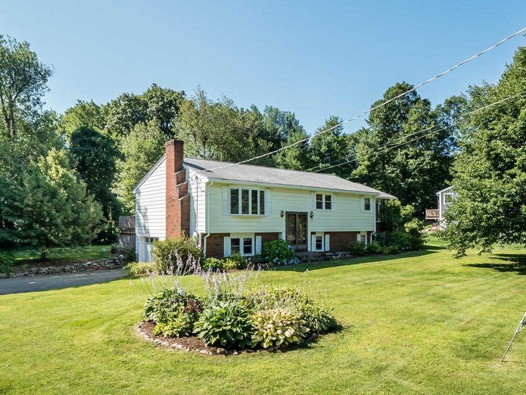 13 Pinecroft Ave, Holden, MA 01520 is now new to the market!
