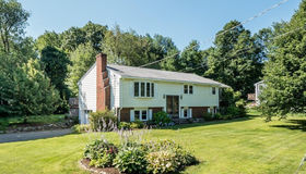 13 Pinecroft Ave, Holden, MA 01520