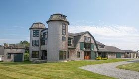 1 Masthead Ln, Dartmouth, MA 02748