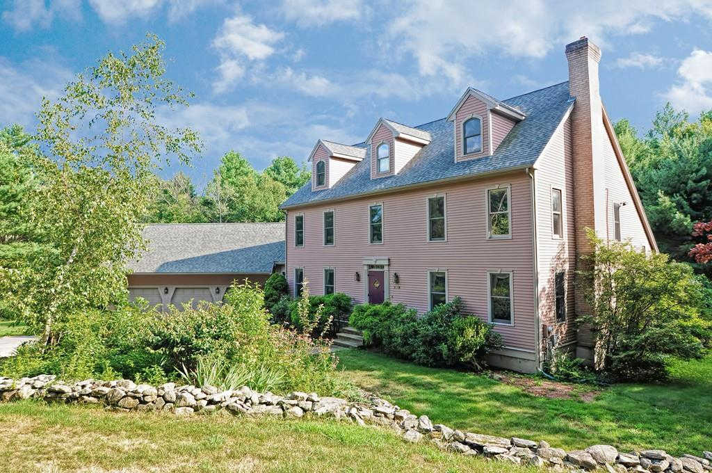 118 Chestnut St, Upton, MA 01568 now has a new price of $699,000!