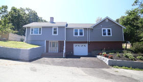 58 Tamworth Hill Ave, Wakefield, MA 01880
