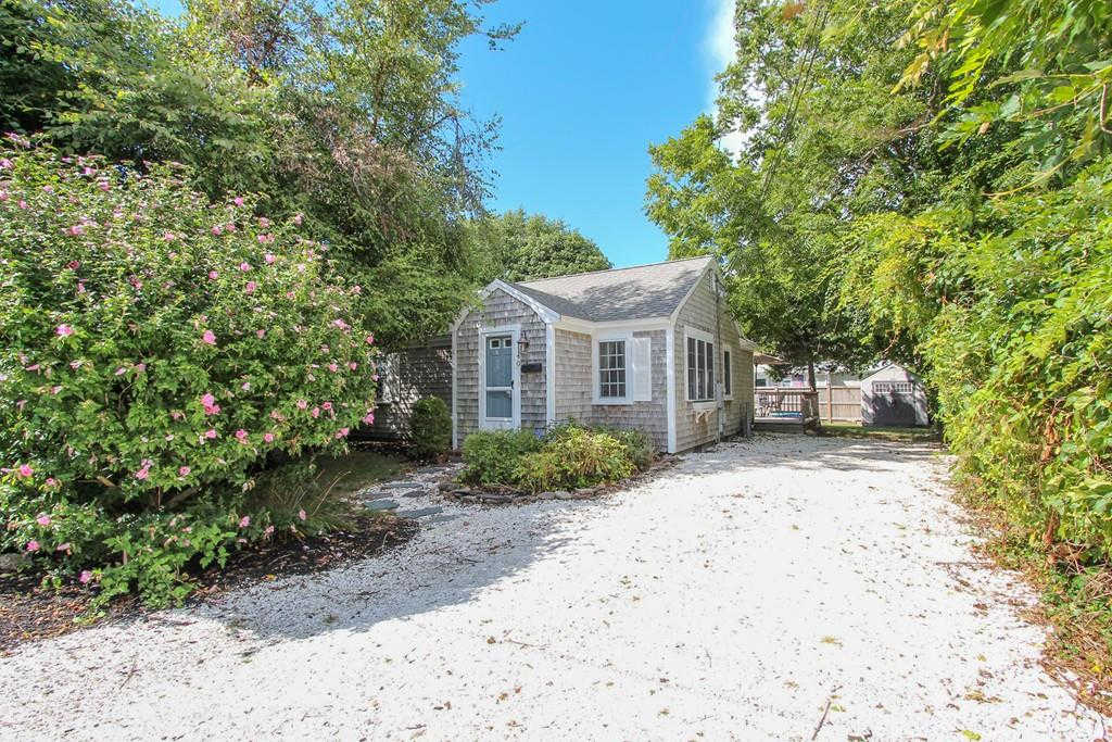 40 Murray Way, Barnstable, MA 02601 is now new to the market!