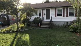 15 Nathaniel St, Worcester, MA 01604