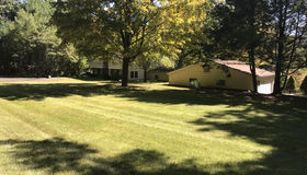 86 Carrington Rd, Montgomery, MA 01050