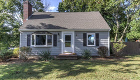 657 Old West Central St, Franklin, MA 02038