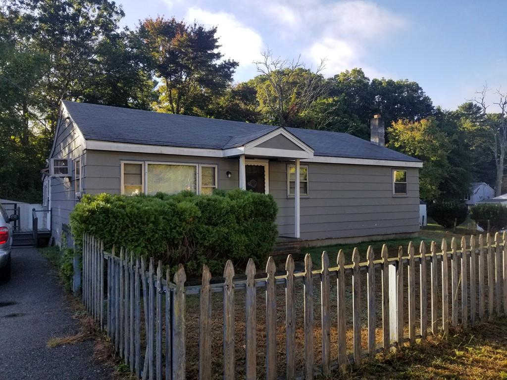 62 Edgehill Rd, Taunton, MA 02780 is now new to the market!