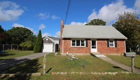 102 Linden St, Barnstable, MA 02601