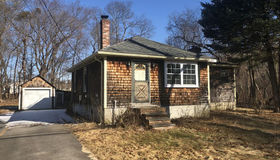 6 Vaughan St, Lakeville, MA 02347
