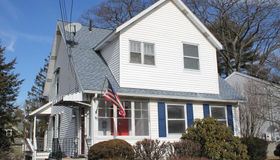 69 King Philip Rd, Worcester, MA 01606