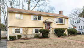 4 Twin Oaks Road, Reading, MA 01867
