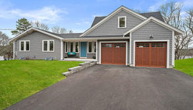 22 Eagle Hill Dr, Plymouth, MA 02360