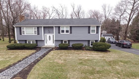 49 Woodhaven Rd, Holden, MA 01520