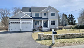 24 Avis Street, Dartmouth, MA 02748
