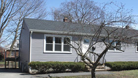 8 Phillips St, Worcester, MA 01604