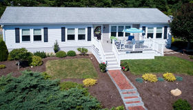 41 Headlands Dr, Plymouth, MA 02360