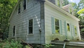 15 Redstone Hill Rd, Sterling, MA 01564