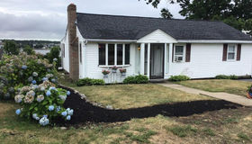114 Prospect Hill Dr, Weymouth, MA 02191