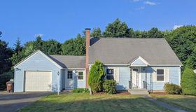 9 Springbrook Rd, Auburn, MA 01501