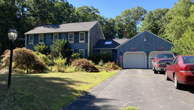 6 Colonial Way, Plainville, MA 02762