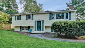 36 Oakland Rd, Pepperell, MA 01463