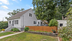 26 Lakeside Blvd, North Reading, MA 01864